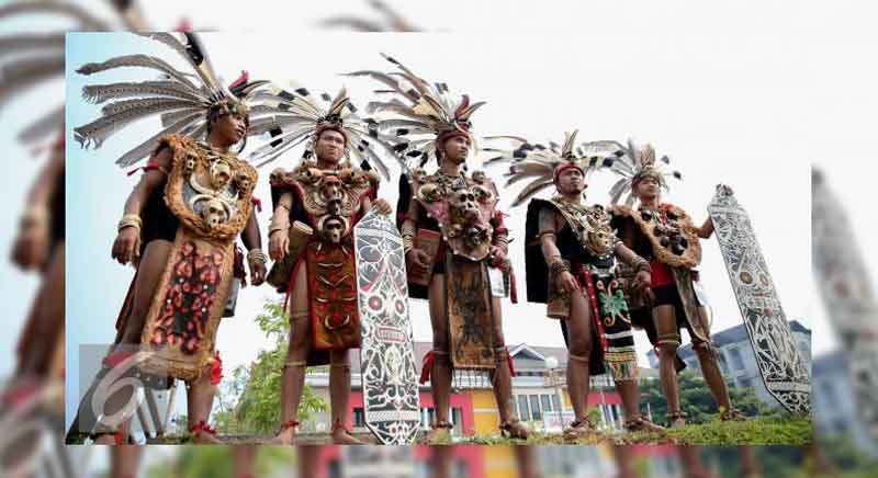 Pakaian Adat Kalimantan Barat Terlengkap Beserta ...